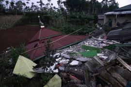 Dua orang meninggal dunia akibat gempa