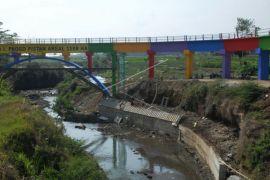 Pembangunan saluran air Progo Pistan