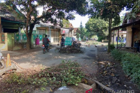 Meluas, aksi blokir akses jalan Tol Pemalang-Batang