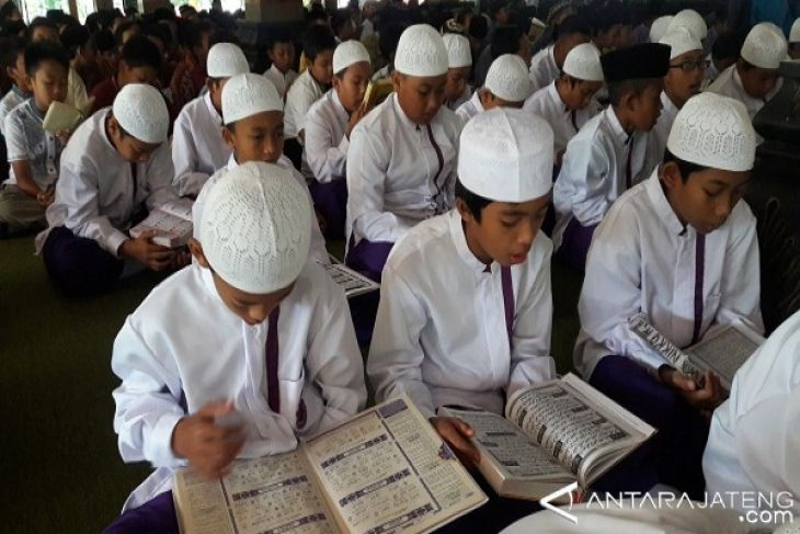 Legislator minta dukungan pemprov untuk madrasah diperjelas