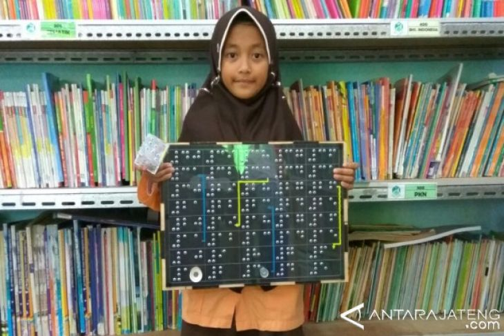 Ular Tangga Braille untuk Sahabat Tunanetra
