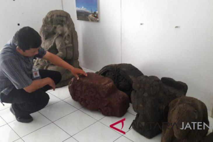 Warga Temanggung serahkan benda purbakala ke Disbudpar