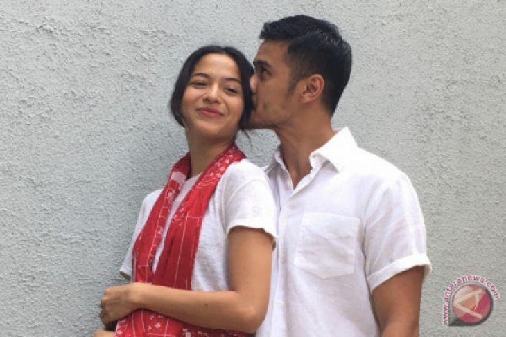 Pasangan Chicco Jerikho - Putri Marino ungkapkan kisah cintanya