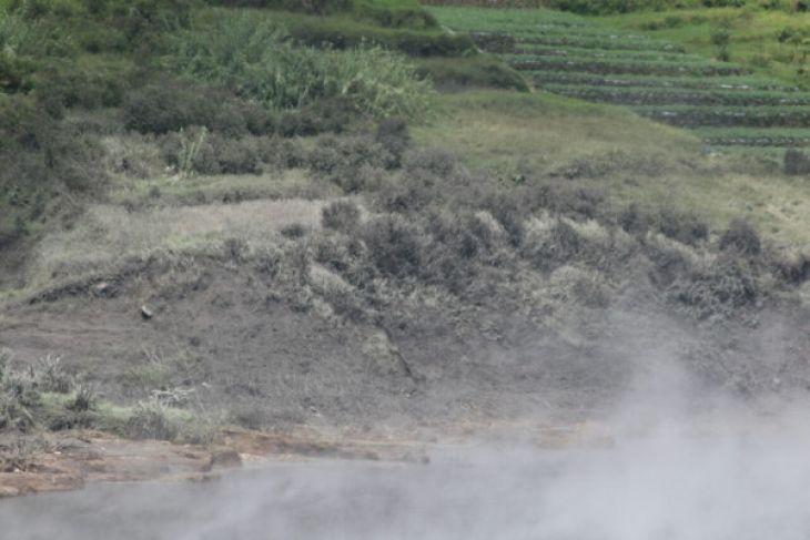 Kawah Sileri kembali keluarkan letusan freatik
