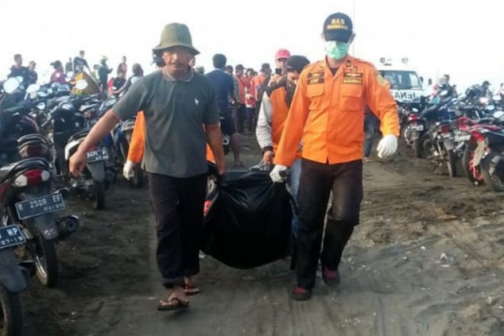 Tim SAR temukan nelayan korban gelombang tinggi