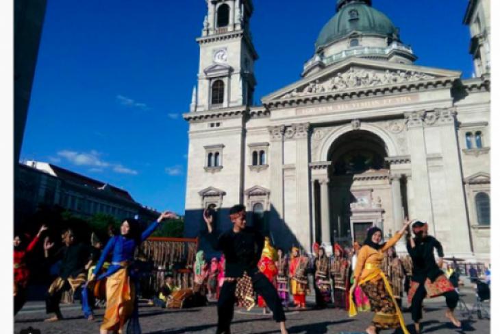 Angklung Muhibah ikut festival folklor di Eropa