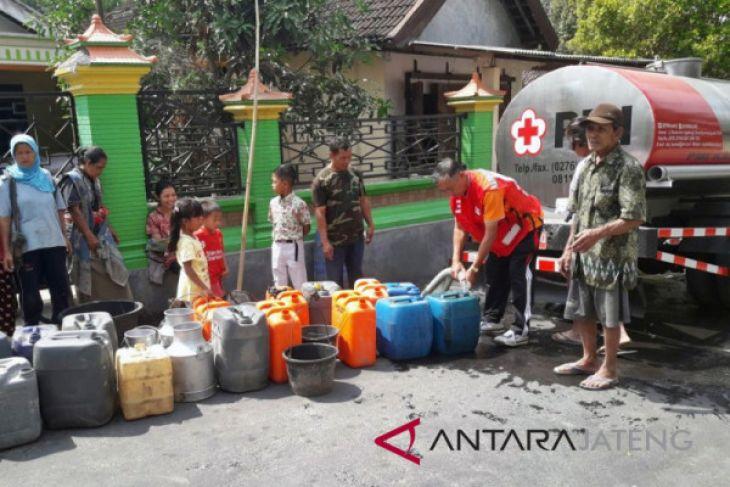 PMI Boyolali salurkan air bersih di daerah kekeringan