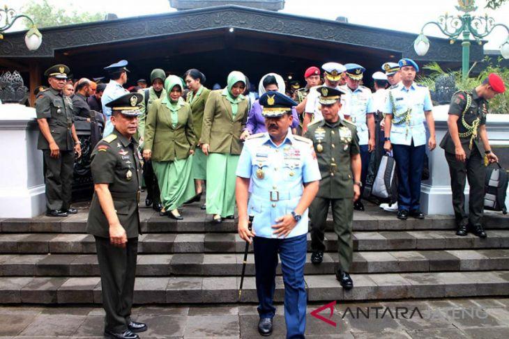 Panglima TNI ziarah ke makam Soeharto di Giribangun