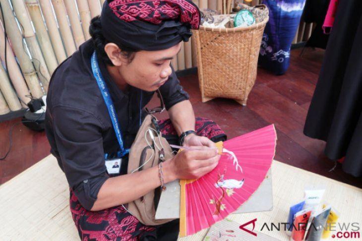 Pengrajin Bali siapkan satu kipas khusus untuk Jokowi