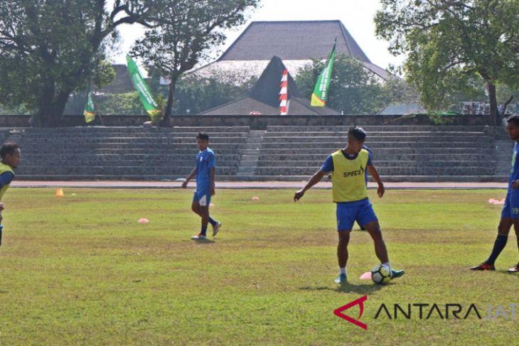 Tiga pemain pilar Persis absen lawan Semen Padang