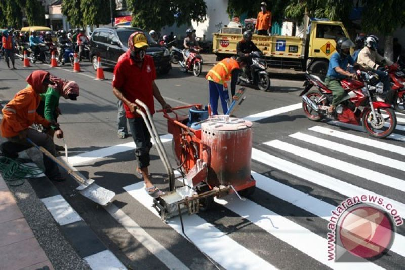 Zebra Cross Batik Perindah Jalan di Pekalongan (VIDEO)