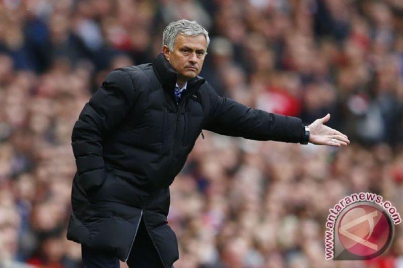 Jelang lawan Young Boys, Mourinho mau MU seperti Roger Federer