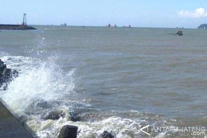 Kecepatan angin meningkat, warga Cilacap diimbau waspada