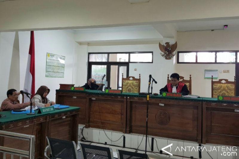 Ditetapkan tersangka, Hakim Lasito masih pimpin sidang