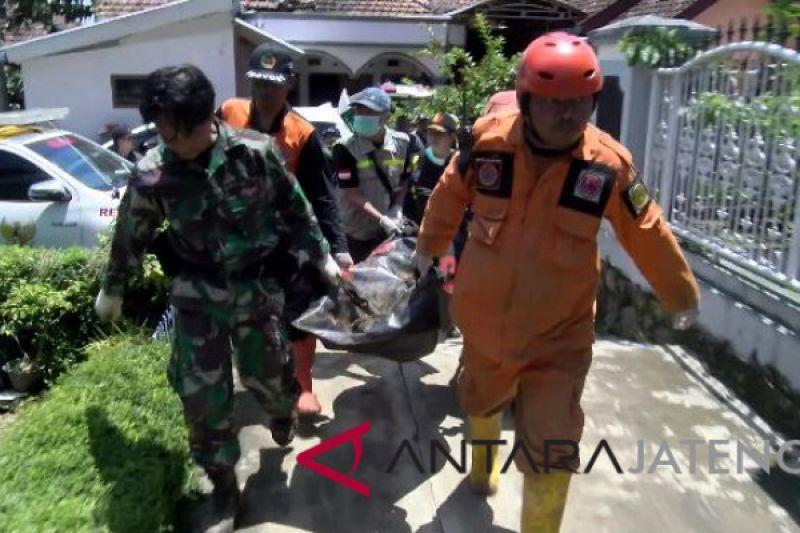 Seorang korban longsor Brebes ditemukan