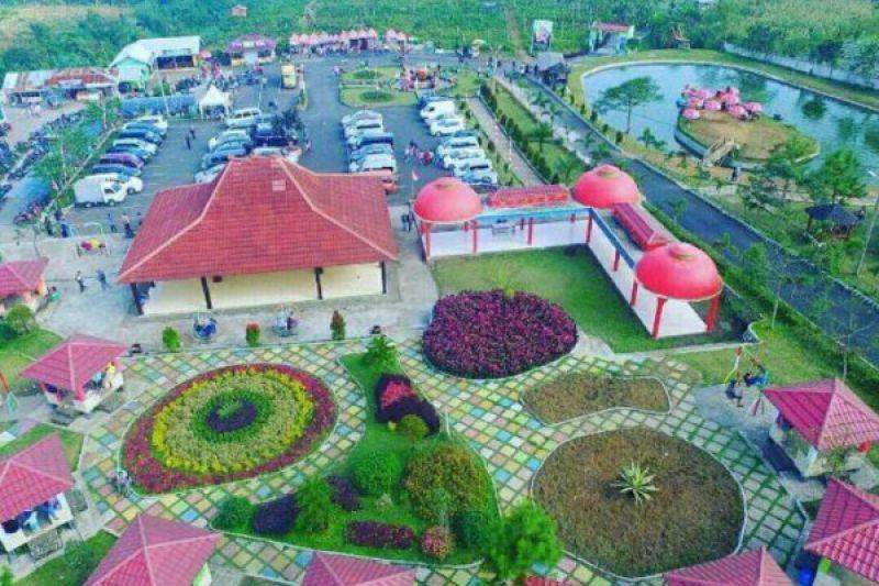 Membangun pariwisata mulai dari desa