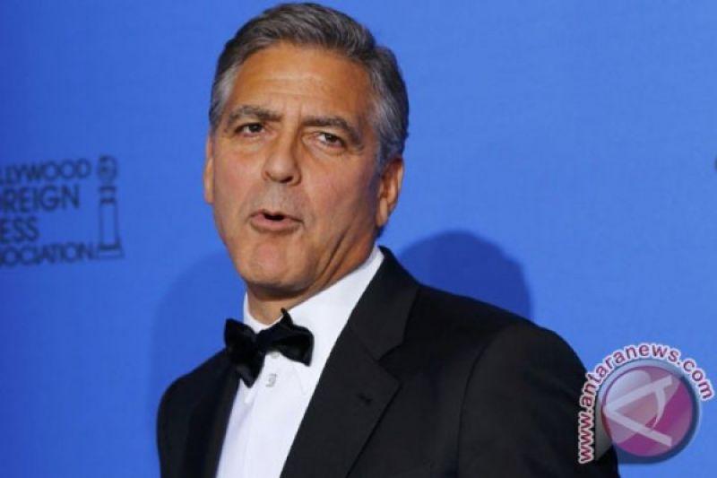 George Clooney diperbolehkan keluar RS pasca kecelakaan