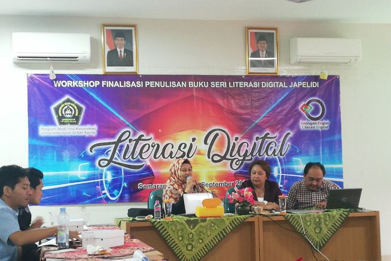 Pegiat literasi digital prihatin hoaks marak