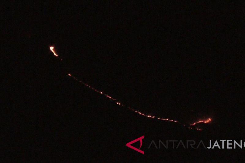 Hutan Gunung Sumbing Temanggung terbakar
