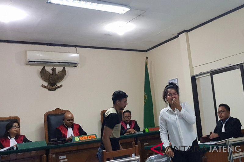 Hakim belum siap, vonis wanita Thailand penyelundup sabu ditunda