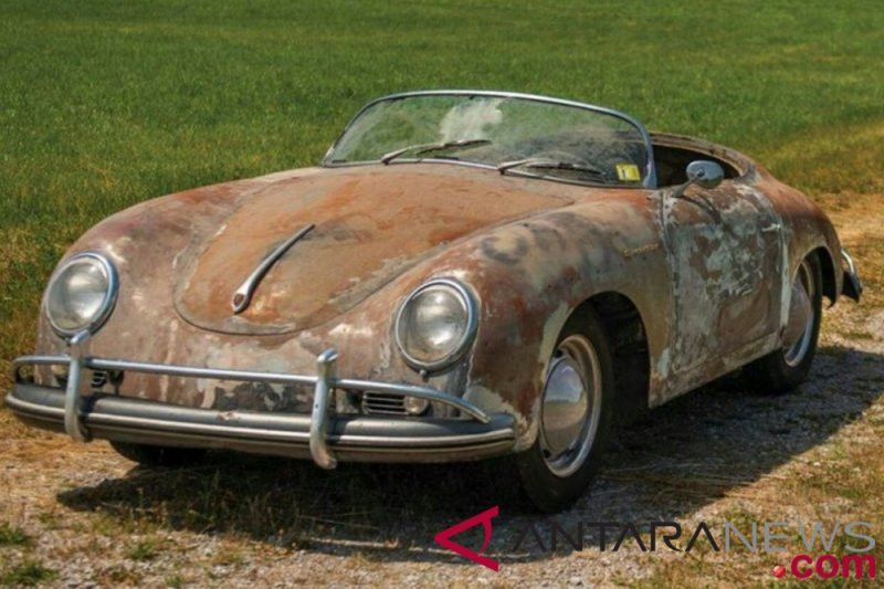 Porsche karatan ditaksir berharga Rp2,2 miliar