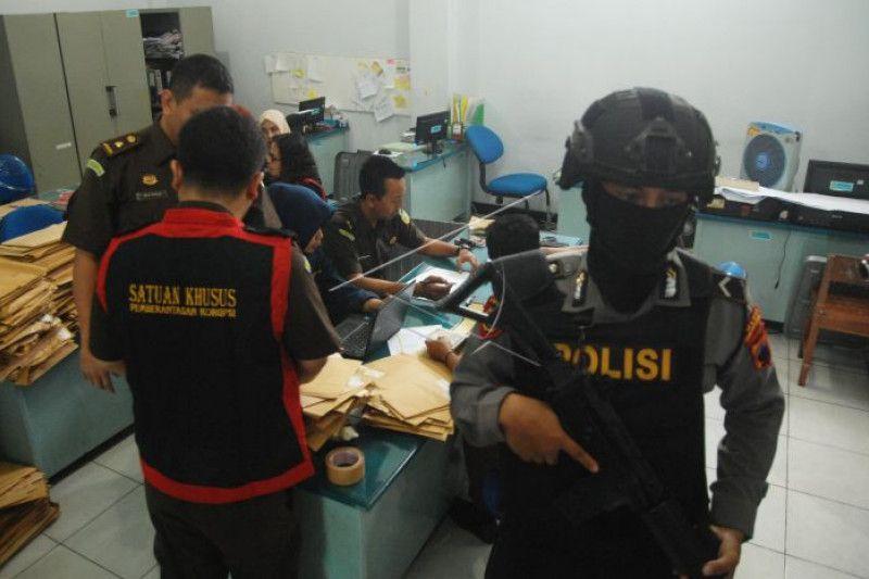Kasus korupsi bkk pringsurat phtjdd prv