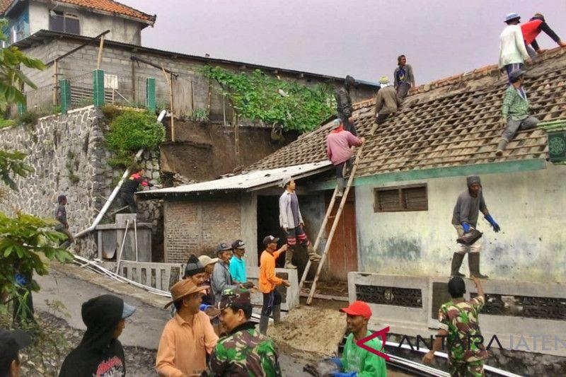 198 rumah di Boyolali rusak diterjang angin dan tanah longsor