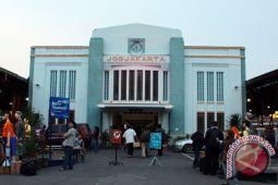 BPJS Kesehatan buka posko di Stasiun Tugu