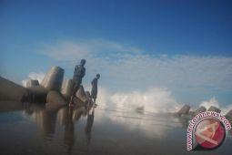15.345 wisatawan kunjungi Pantai Glagah Kulon Progo