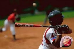 Timnas sofbol Indonesia menumbangkan Singapura 8-2 di Kejuaraan Asia