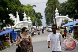 Pemerintah perlu mengeluarkan regulasi kembangkan pemandu wisata