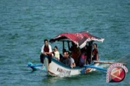 Ribuan wisatawan mulai padati Pantai Glagah