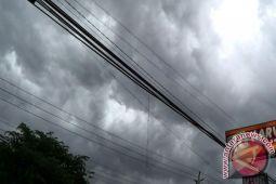 Hujan disertai petir berpotensi di Yogyakarta