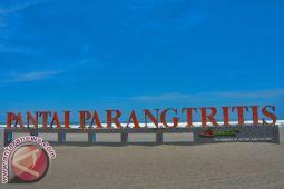 Parangtritis beach not for swimming