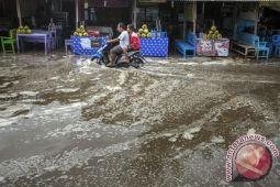 Pemerintah diharapkan meningkatkan antisipasi bencana pesisir