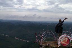 Pemkab Gunung Kidul targetkan 3,5 juta wisatawan