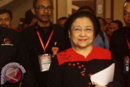 Megawati minta masukan Risma terkait Pilkada Jatim