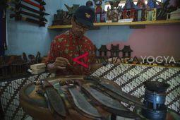 Pengembangan Batik Logam