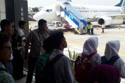 BUMN HADIR- Siswa  SMN Yogyakarta mengunjungi Bandara  Adisutjipto (Video)