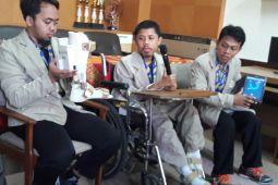 Mahasiswa difabel UGM kembangkan sepatu pencegah kelumpuhan