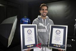 Cesc Fabregas masuk Guiness World Book of  Records 2019