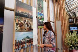 Sejumlah karya foto LKBN Antara dipamerkan di Paviliun Indonesia