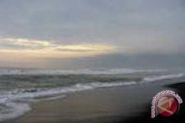 BLH DIY pantau kualitas air Pantai Glagah
