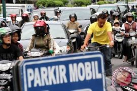 Arus lalu lintas Malioboro Yogyakarta padat merayap