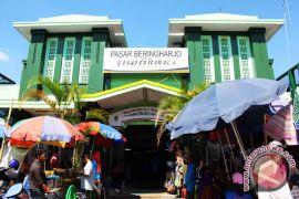 Pasar Beringharjo buka sampai malam penuhi kebutuhan wisatawan