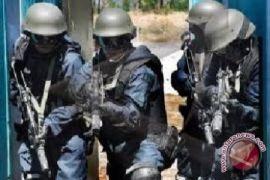 Densus 88 menangkap terduga teroris di Gunung Kidul