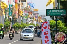 Gubernur minta penyeberang Jalan Malioboro tertib aturan