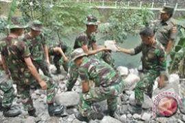 TMMD Reguler bangun jalan penghubung desa Bantul