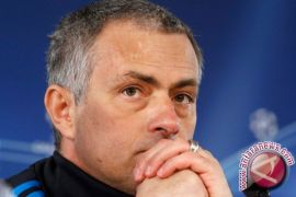 Mourinho berambisi Manchester United runner up liga