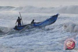 Nelayan diminta waspadai gelombang tinggi di pantai selatan